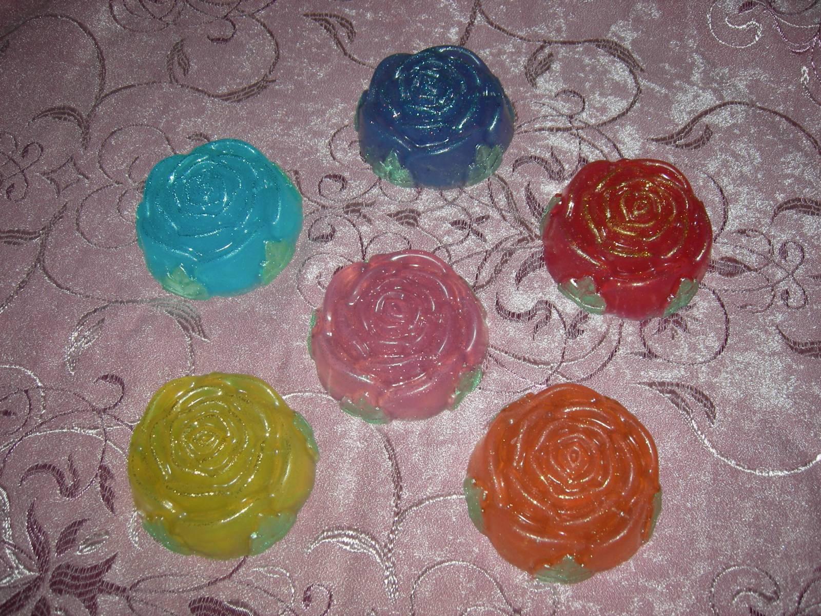 Мыло своими руками в форме розы 58
